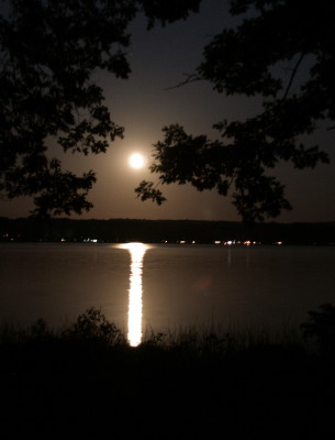 a99moon-over-gun-lake3
