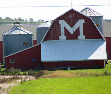 michiganbarn2