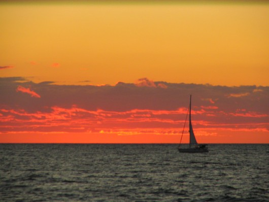 sunsetwithsailboat
